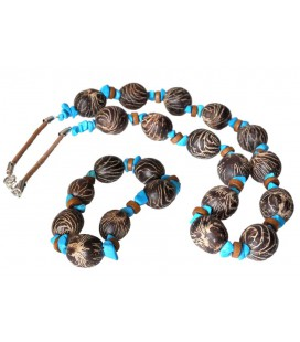 Necklace and bracelet of rustic Amazon seeds